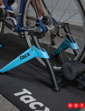nuevo-rodillo-garmin-tacx-boost-pack0100241901-0100241902-rg-bikes